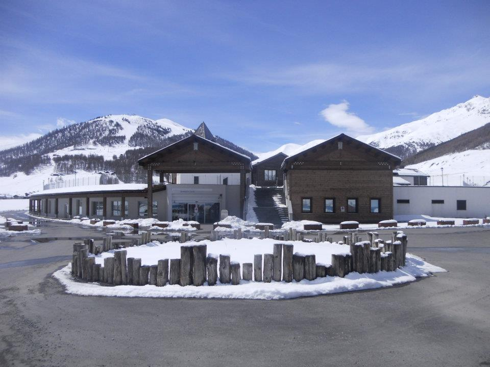 Valtellina Turismo Mobile Ad APT Livigno la gestione di ...